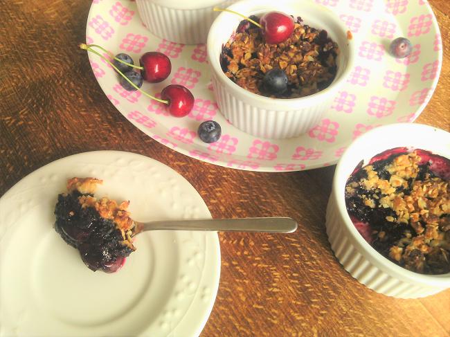 un dessert facile et rapide aux fruits rouges - le crumble