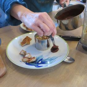 Tempeh sauce chocolat épicée