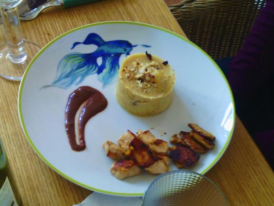 Tempeh sauce chocolat épicée et purée de panais