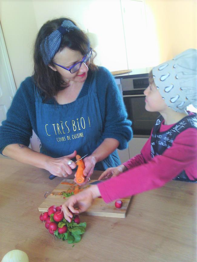 cours de cuisine bio enfants à l'atelier C Très Bio Paimpol