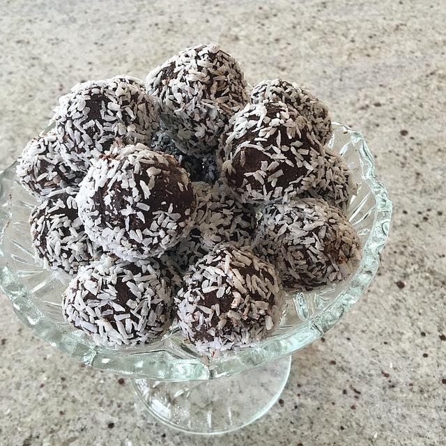 Truffes au chocolat à base d'avocat - Cours de cuisine bio - Paimpol - Côtes d'Armor - Bretagne