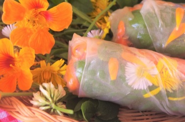 cuisine aux fleurs - ateliers cuisine - bio - cours de cuisine - été - activités - Bretagne - Paimpol - Côtes d'Armor - C Très Bio