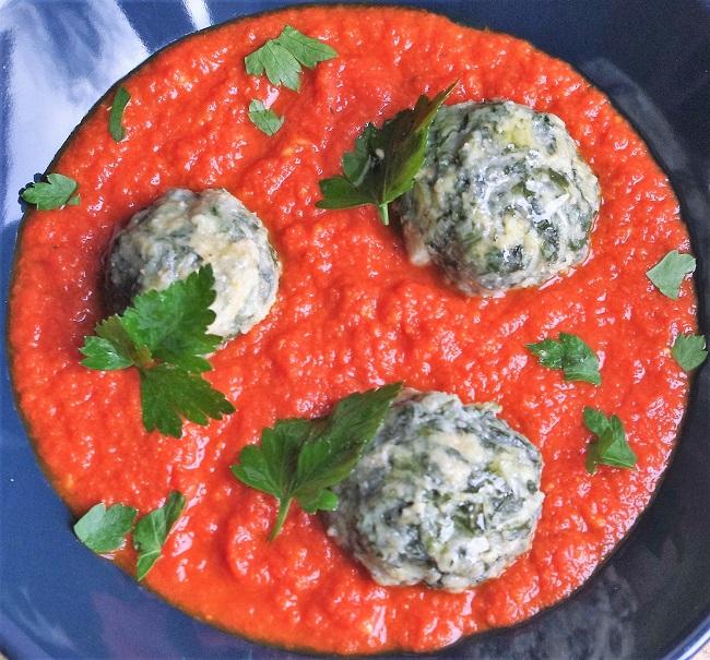 Recette - blettes - Cours de cuisine - Paimpol - Bretagne - Bord de mer - Cuisine bio - boulettes - sauce tomate - végétarien - sans gluten